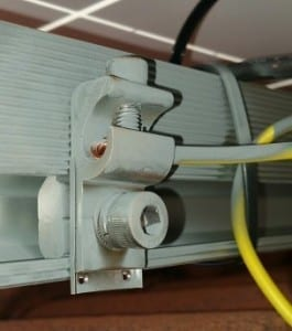 solar panel mounting rail requires earthing when used with transformerless inverters